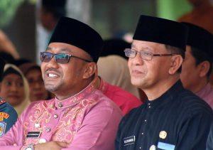 Wali Kota Tanjungpinang Lis Darmansyah dan Wakil Wali Kota Tanjungpinang Syahrul duduk bebersama beberapa waktu lalu. (Foto: Aji/pijarkepri.com)