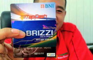 Brizzi, TapCash, Flazz merupakan bentuk kartu E-Money pass masuk Pelabuhan SBP Tanjungpinang terbaru.(f-ANG/pijarkepri.com)
