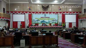 Sidang Paripurna pengesahan APBD Kepri 2020, di Pulau Dompak, Tanjungpinang, Jumat (29/11/2019). (Foto: aji/pijarkepri.com)
